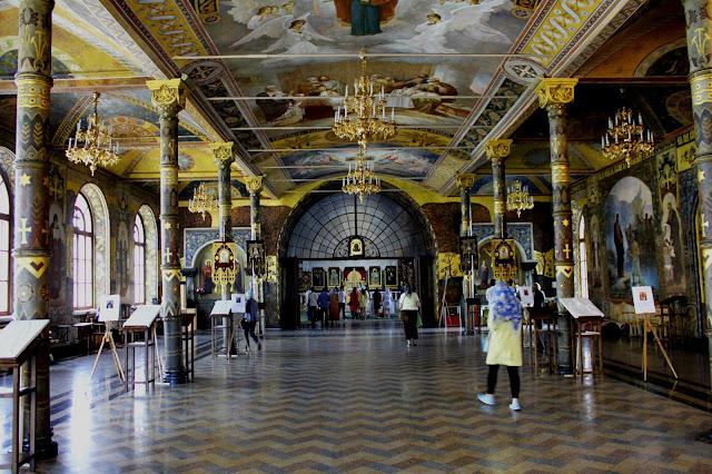 Выставка тактильных икон в Трапезном храме