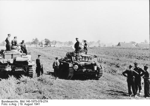 German Panzer IIIs in Russia, 1941 worldwartwo.filminspector.com