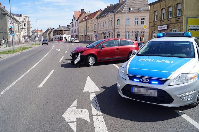 Schwerer Unfall auf der Bismarckstraße in Bitterfeld