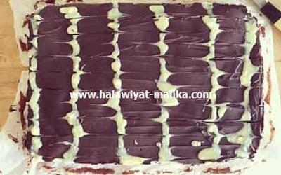 مربعات الشوكولاته بكريمة جوز الهند