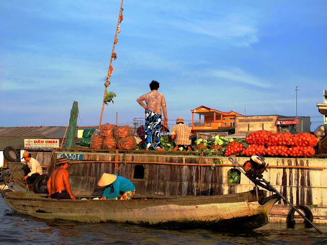 Viet Nam's floating markets - One of the most photogenic places in Southeast Asia