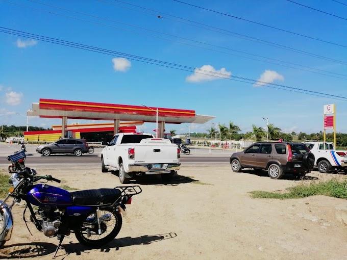 Investigan varias personas en relación a muerte a tiros de vigilante estación venta combustibles en Esperanza