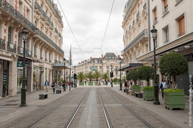 Visitar Orleans Loira viaje Francia turismo que ver coche