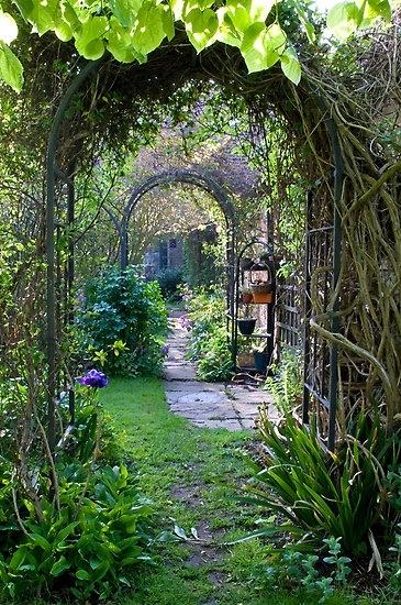 Secret Garden: Simply Vintageous...by Suzan: Garden Magic
