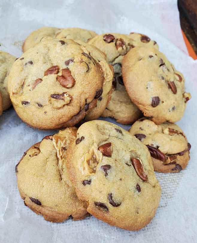 these are cooked chocolate chip pecan cookies