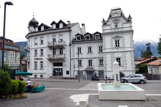 piazza fontana merano