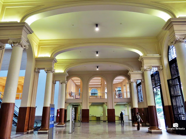 Vista ampla do Hall do Palácio dos Correios - Centro - São Paulo