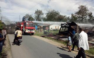 Di Lintongnihuta Humbahas, Juan Sihombing Bakar Rumah Sendiri
