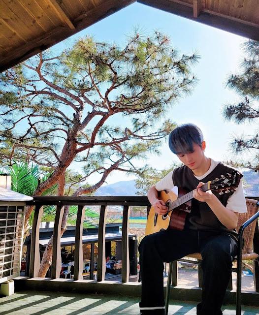 Member NCT yang paling aktif menciptakan lagu : Mark Lee