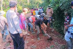 Perbaiki Jalan Secara Swadaya, Warga 2 Dusun di Datar Lebuay Tanggamus Berharap Ada Donatur