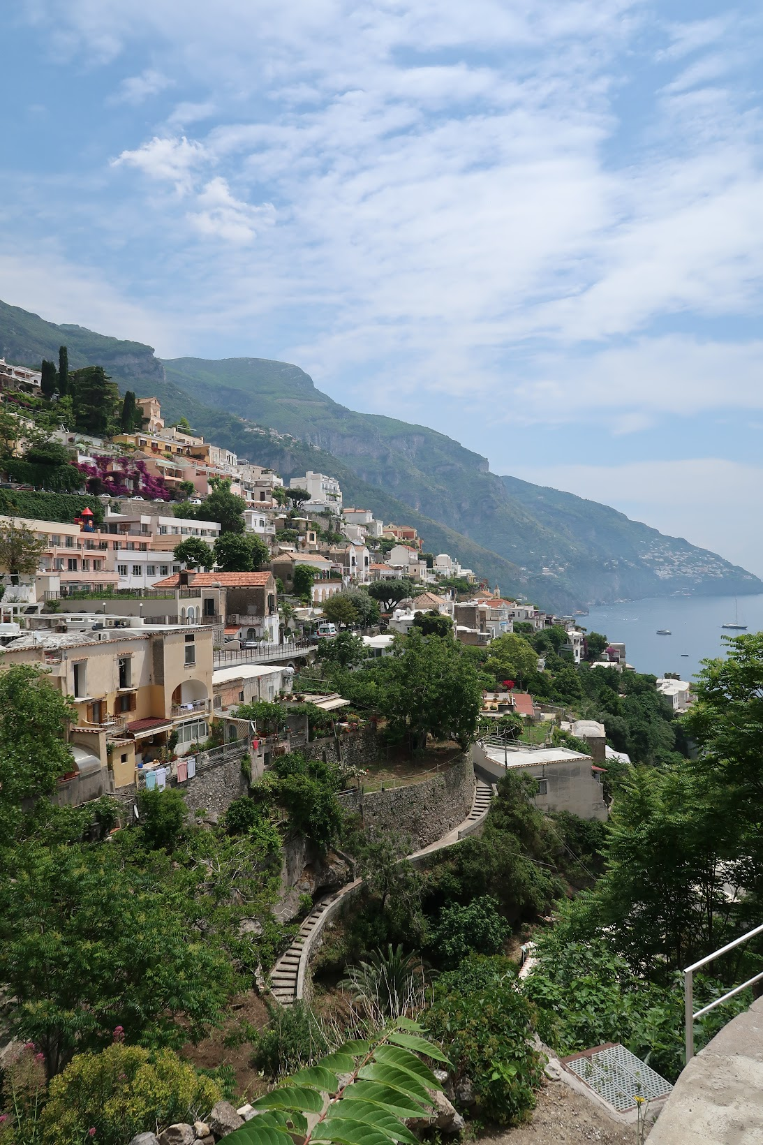 Travel guide to Minori and the Amalfi coast, Minori Italy, what to wear in Minori Italy, what to eat in Minori Italy, Traveling to italy this summer