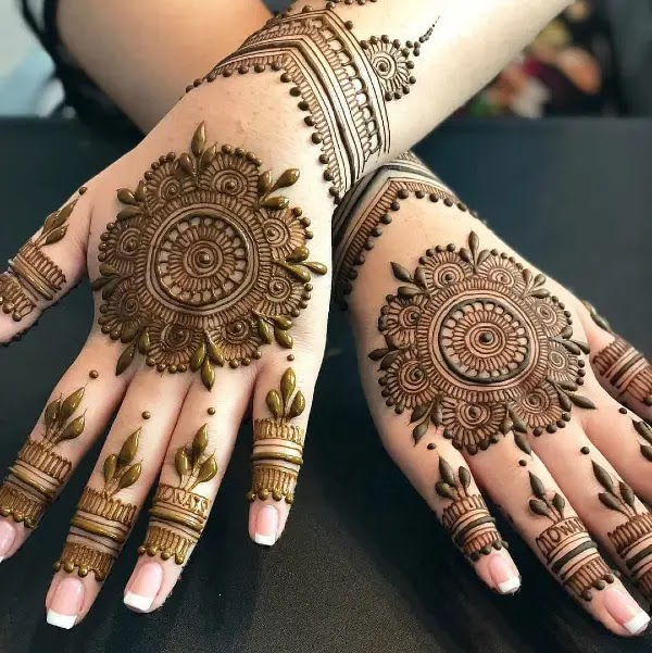 big-flowers--mehandi
