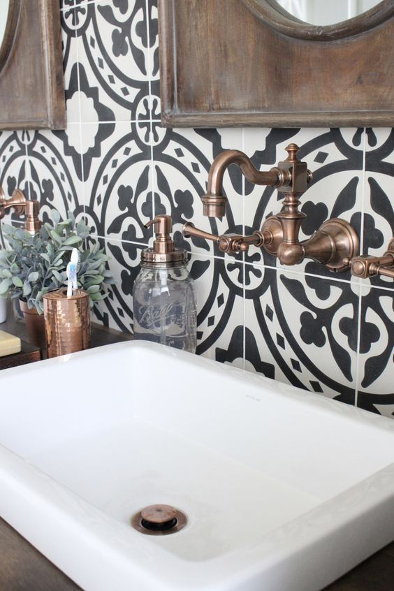 patterned tile bathroom backsplash