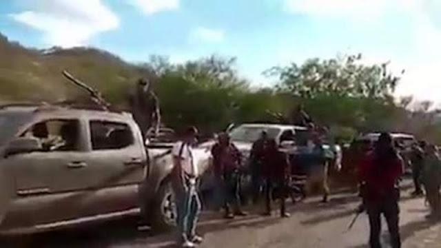Hoy sábado reportan  fuerte movilización de sicarios y camiones blindados en Aguililla, Michoacán
