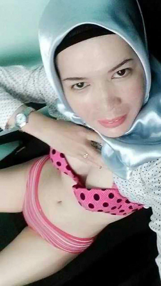 Buka Baju Buka Bh Trus Selfie Deh | Skandal Foto Bokep ABG
