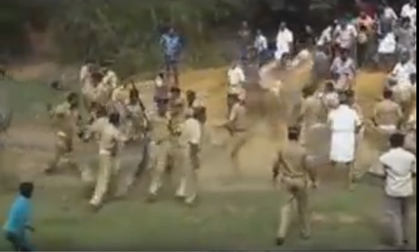 Police brutality against protesters in aluva Kerala, Kochi, Women, Media, Protesters, CPM, News, Kerala.