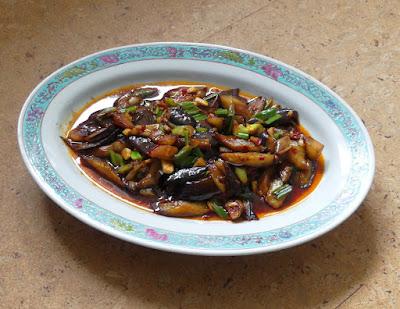 Auberginen mit Fischgeschmack (鱼香茄子)