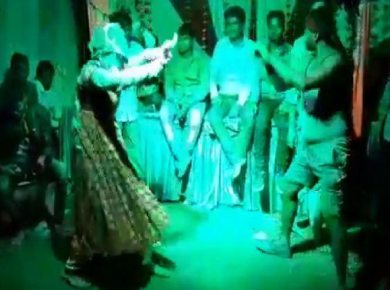 नागिन डांस करते वक्त युवक की मौत - newsonfloor.com