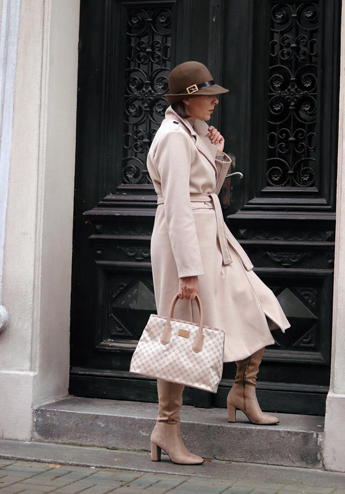 stylizacje jesienne z kapeluszem