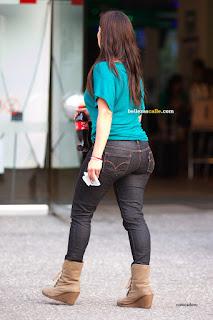 linda-morena-jeans-pegados