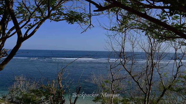 Laut di pinggir Pantai Gunung Payung Bali