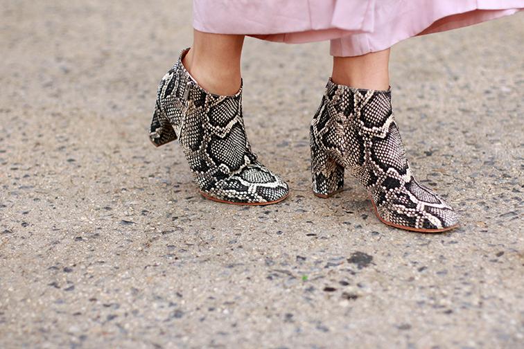 heleneisfor Stelen culottes, Loeffler Randall snake booties, Etre Cecile sweatshirt, Warby Parker Dorothy sunglasses, Bottega Veneta crossbody bag, Static Nails marble