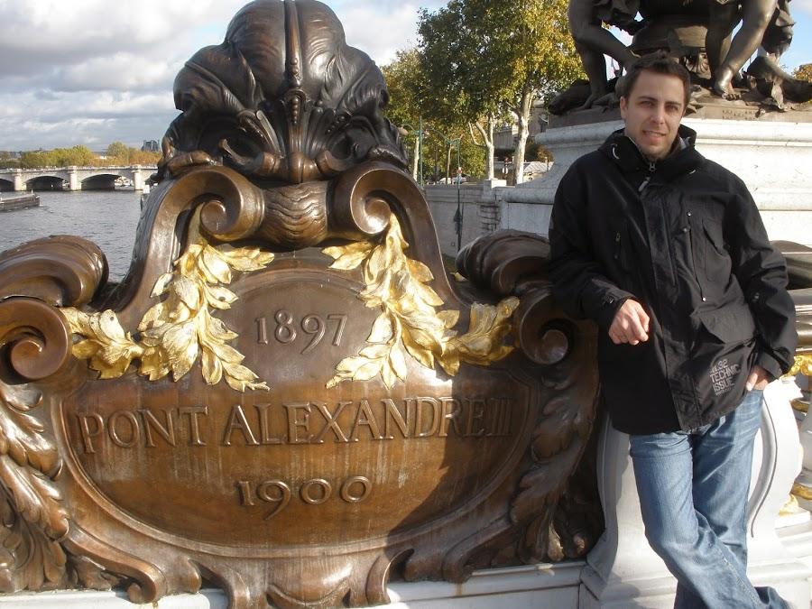 Puente de Alejandro III, París. cercano a la explanada de Los Inválidos