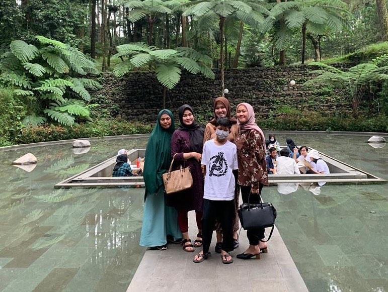 Tempat Favorit Bogor The Lake House