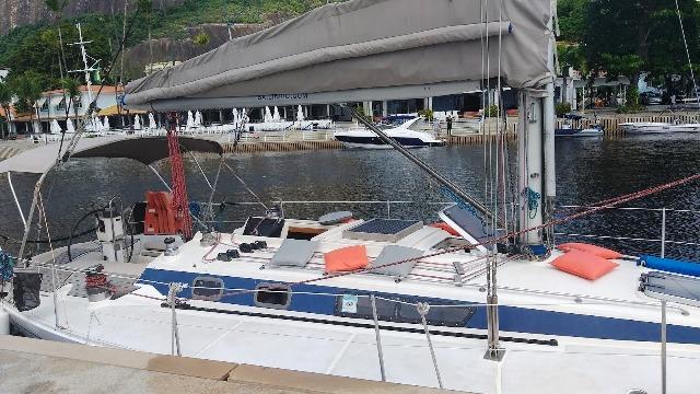 Kamehameha é um veleiro de 39,5 pés, com 12 metros