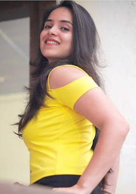 Simran dhanwani cute photos