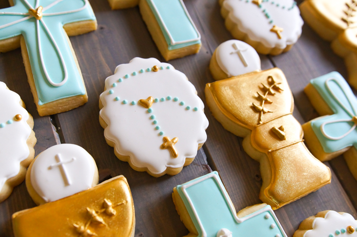 how to decorate first communion cookies for a boy ♥ bakeat350.net