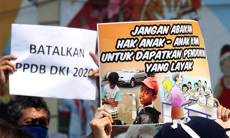 DPR Minta Pemprov DKI Batalkan Juknis PPDB dan Lakukan Seleksi Ulang