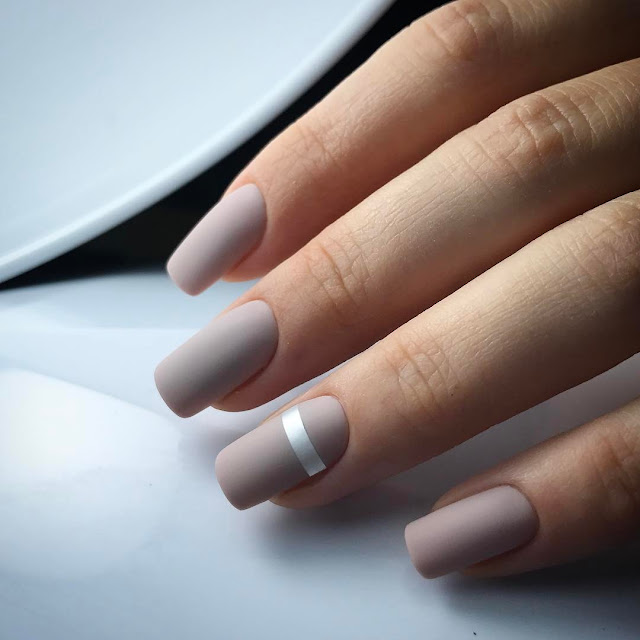 Budget Beauty Tips: How to Matte nails. Try the new super hot trend.