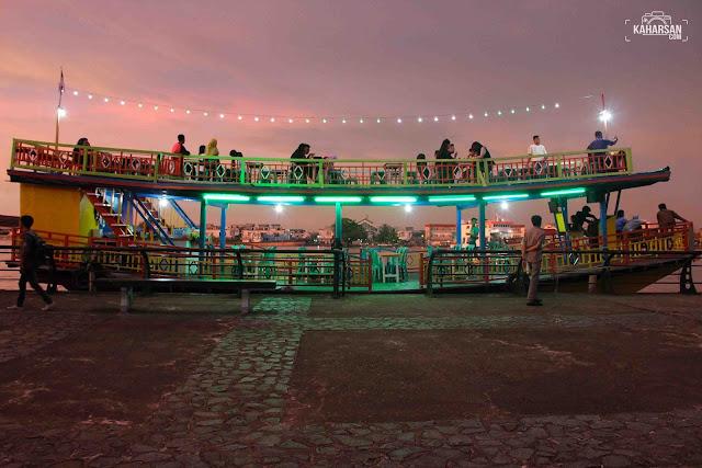 Kapal Taman Alun Kapuas Wisata Kota Pontianak - kaharsan