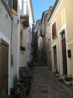 A typical narrow street in medieval Alanno