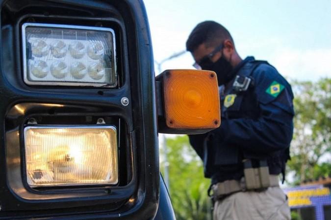 Proibição de alterações no sistema de iluminação de veículos NÃO FOI ADIADA para 2024