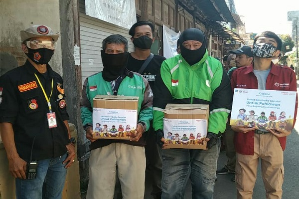 Tagwa Street Yogya dan Pejuang Kurir Kebaikan Membagi Sembako