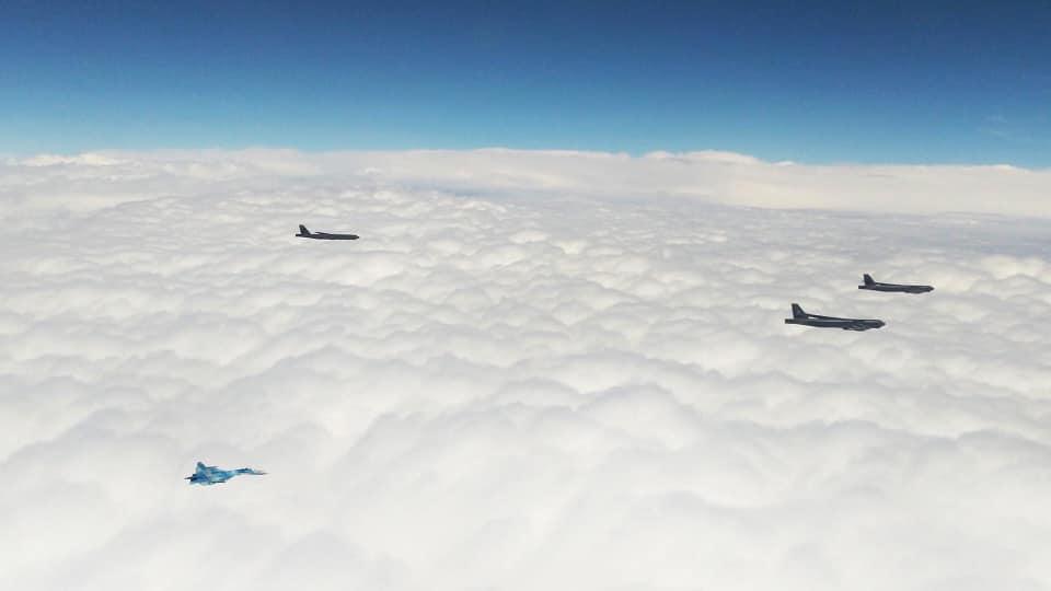 Над Україною кружляють американські бомбардувальники