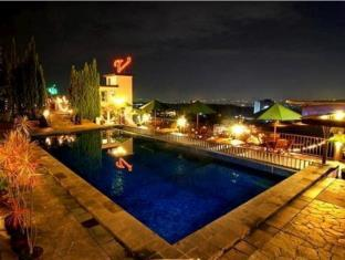 Info The Valley Resort Hotel Bandung Review