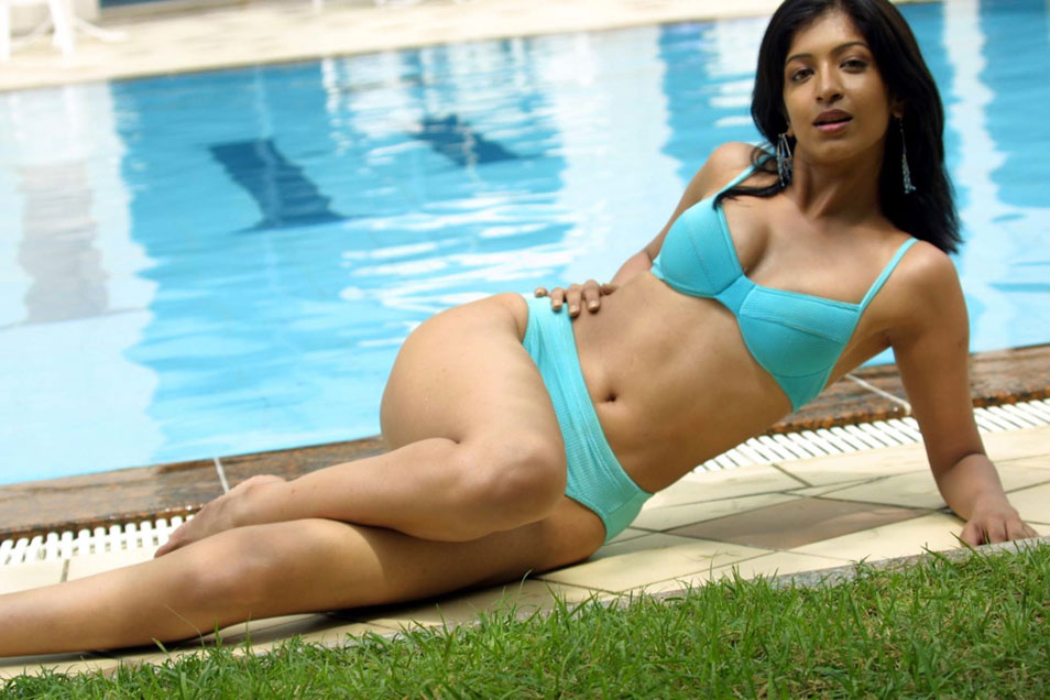 Hot Tamil Actress In Bikini