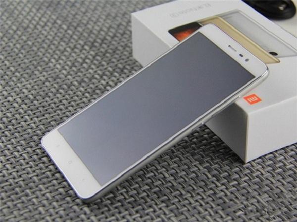 Xiaomi redmi 3 pro chính hãng thu hút người nhìn