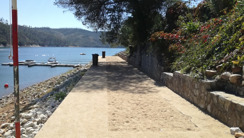 Zona de Areal na Praia do lago Azul