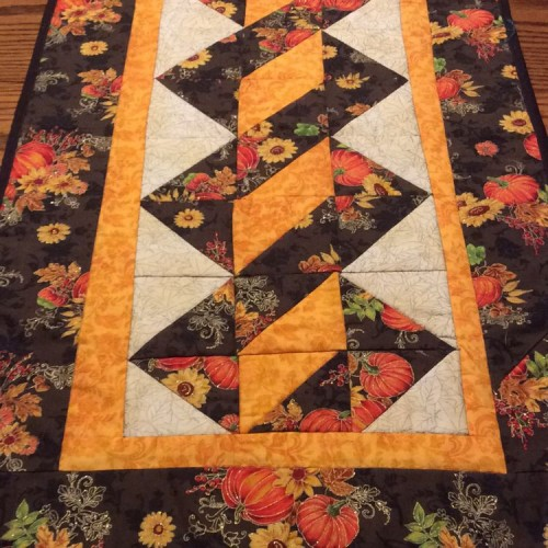 Twisted Pole Table Runner - Free Quilt Pattern