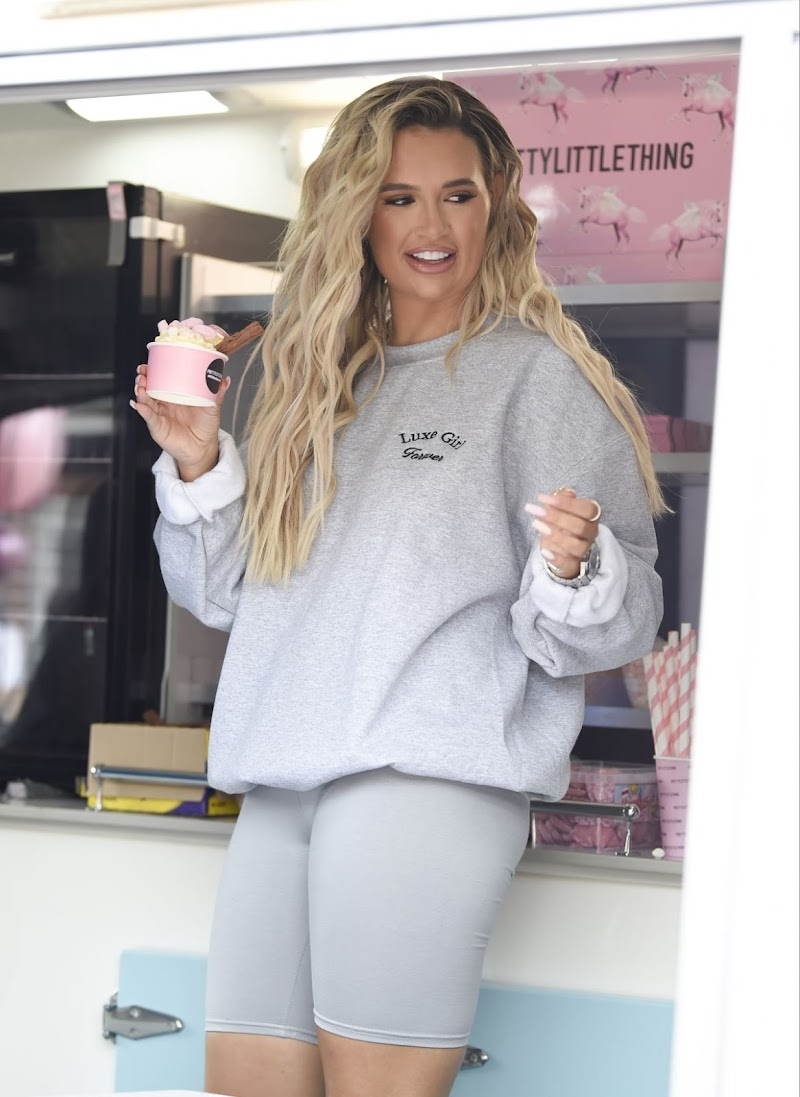 Molly-Mae Hague Clicks at Pretty Little Thing Ice Queen Van in Manchester 8 Aug -2020