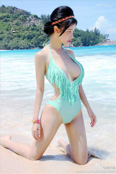 Hot and sexy big boobs photos of beautiful busty asian hottie chick Chinese bikini model Liang Yan Xin photo highlights on Pinays Finest sexy nude photo collection site.