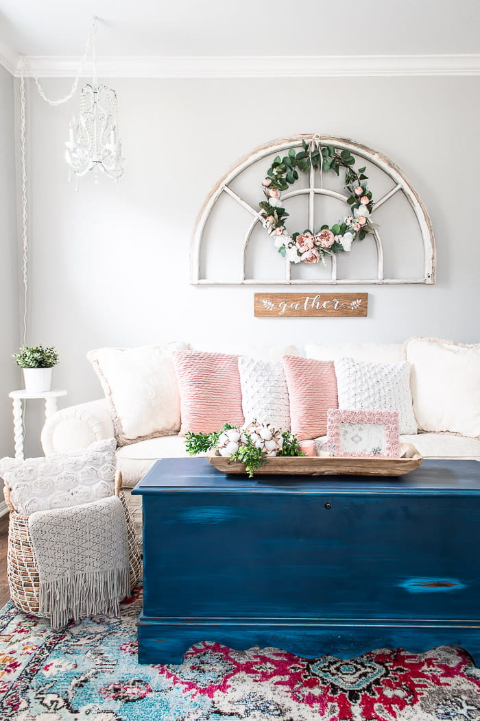 antique window and cottage style living room