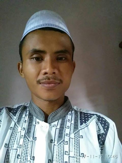 Ruwel Seorang Perjaka Beragama Islam Suku Sunda Berprofesi Guru Di Bandung Jawa Barat Mencari Jodoh Pasangan Wanita Untuk Jadi Calon Istri / Teman Kencan