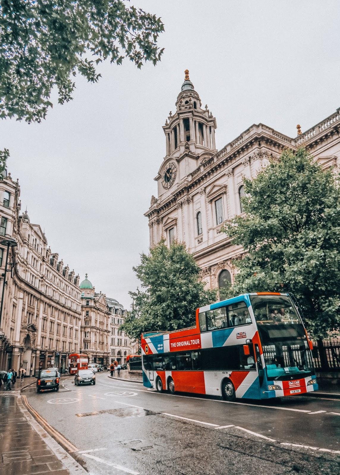 LONDON THE OFFICIAL TOUR | ANNA TWENTY SEVEN