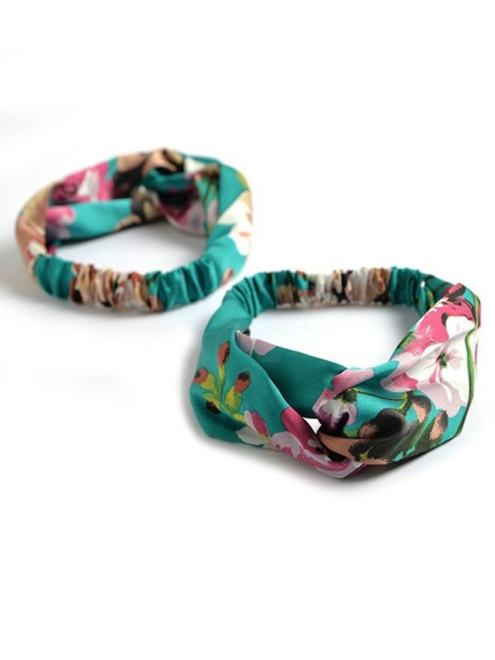 https://www.kiskissing.com/3-pack-mom-and-me-floral-headband.html