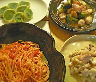 夕食の献立|タラとトマトのパスタ イカと野菜の炒め物 大葉沢庵